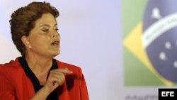 La presidenta Rousseff dijo que en este momento el parlamento brasileño discute más de 100 proyectos de leyes anticorrupción.