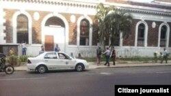 Reporta Cuba Archivo Arrestos jóvenes Habana Foto Vladimir Turró