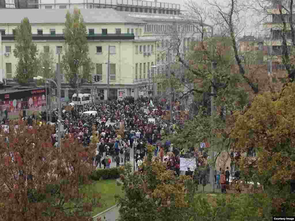 Los estudiantes se expresan en las calles de Sofía
