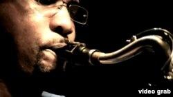 """La banda """"Noventa Millas"""" mezcla el jazz clásico con el toque rítmico de la música de improvisación cubana."""