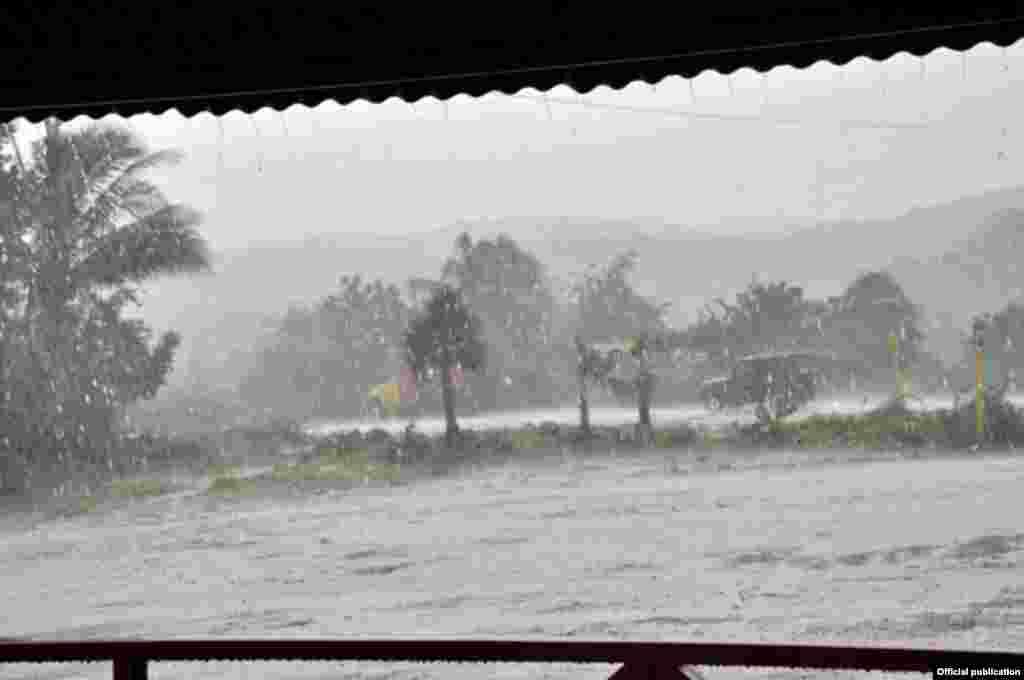 Imágenes de San Antonio del Sur, Guantánamo tras el impacto del huracán Matthew. Foto www.venceremos.cu