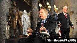 El legislador Jim Langevin en el 20 aniversario del ADA, el 26 de julio de 2010. (Tim Sloan / AFP).