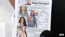 Panfleto en el que se ofrece una recompensa por la captura de Joanne Chesimard, buscada por el asesinato de un policía de Nueva Yersey (EEUU) en 1979.