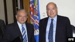 José Miguel Insulza (d) y Eduardo Stein (i). Archivo.