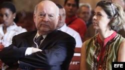El secretario general de la OEA, José Miguel Insulza, visitó en enero de 2014, el centro histórico de La Habana (Cuba).