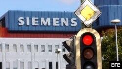 Fotografía que muestra un semáforo en en Munich-Neuperlach, Alemania.