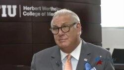Médico cubanoamericano lidera proyecto de salud para necesitados en Miami