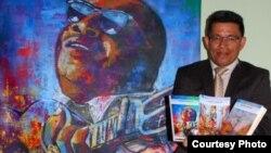El autor colombiano Jairo Hernán Grijalba Ruiz muestra su trilogía sobre Arsenio Rodríguez.