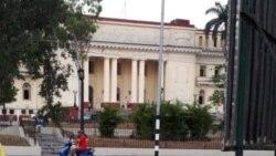 Opositor sentenciado a 8 meses de cárcel por el mismo tribunal frente al que protestó