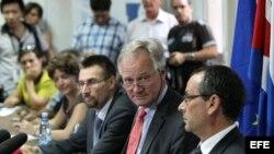 Christian Leffler (c), director general para las Américas del SEAE, al concluir la primera ronda de negociación entre la UE y Cuba.
