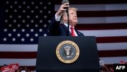 Donald Trump durante un acto en Panama City Beach.