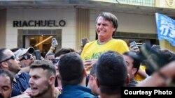 Jair Bolsonaro, candidato a la presidencia de Brasil por el Partido Social Liberal, fue apuñaleado.
