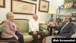 Ulises Farranz, cónsul de Cuba en Andalucía, visita la Cámara de Comercio de Málaga.