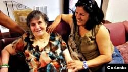 El feliz reencuentro de Amalia Dell Amico con su madre, Hortensia Hernández (Foto: Amalia Dell Amico).