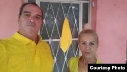 José Díaz Silva y Lourdes Esquivel, matrimonio de activistas, participan en la campaña Pa' la Calle.