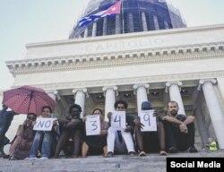 Artistas del Movimiento de San Isidro, en La Habana, protestan contra la imposición del Decreto 349 (FACEBOOK).