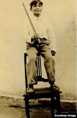 El niño Fulgencio Batista (entonces Rubén Zaldívar) con 8 años (1909) en su natal Banes, Holguín.