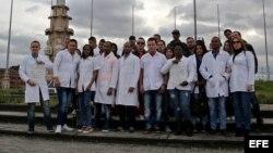 Médicos cubanos varados en Bogotá.