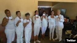 Damas de Blanco en la ciudad de Matanzas.