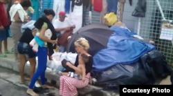 Autoridades buscan solución para que cubanos no pasen la Navidad en la calle.
