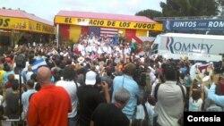 Mit Romney en el Palacio de los Jugos, en Miami. Cortesia de Jorge Riopedre.