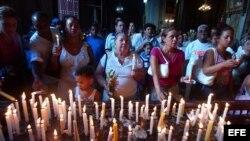 La denuncia documenta un aumento de la represión religiosa en vísperas de la visita a la isla del Papa Benedicto XVI.