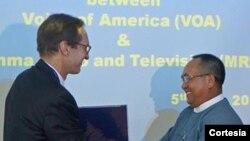 Director de la VOA en Birmania