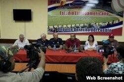 La Federación Cubana de Béisbol y dirigentes de la Liga Can-Am realizaron una rueda de prensa en La Habana.