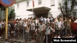 cubanos que ocuparon embajada Perú en La Habana abril 4 1980