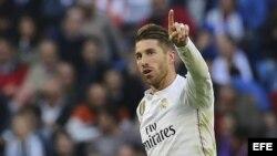 El defensa del Real Madrid Sergio Ramos celebra el gol marcado ante el Málaga durante el partido de la trigésima segunda jornada de liga de Primera División.