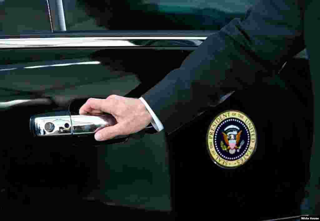 El auto presidencial, conocido como La Bestia.