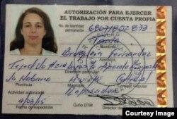 Permiso extendido por el Ministerio de Trabajo (Cuba) para que Tania Bruguera ejerza como cuentapropista.