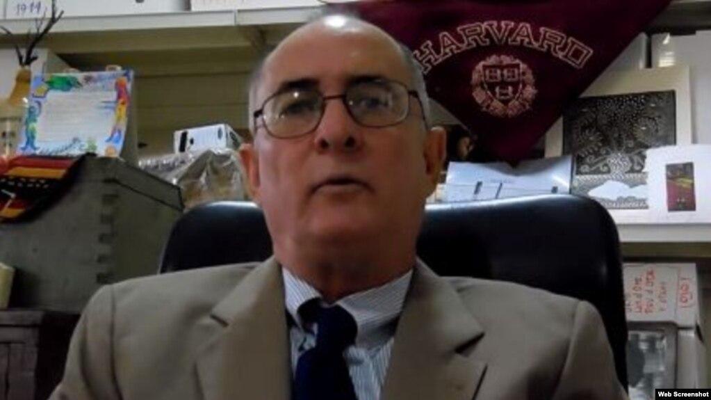 Roberto de Jesús Quiñones Haces, abogado y periodista independiente, en Guantánamo, donde reside (Foto: Archivo).