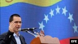 Canciller venezolano pronuncia un discurso en La Habana.