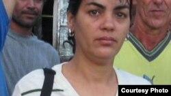 Llega al exilio opositora cubana Sara Marta Fonseca