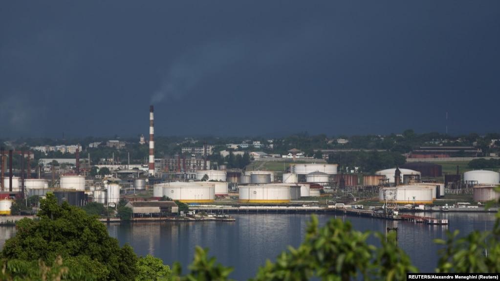 Foto Archivo. Vista de la refinería Ñico López en La Habana.