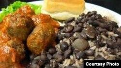 La memoria culinaria cubana se refugió en Miami, y la reviven en la isla las paladares privadas