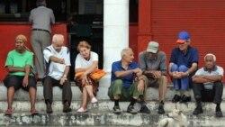 La nueva constitución cubana es apoyada por mayores, mientras los jóvenes se muestran indiferentes