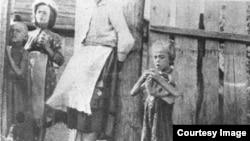 Holodomor en Ucrania, familia campesina ucraniania.