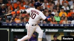 Yuli Gurriel. Foto John Glaser-USA TODAY Sports vía Reuters.