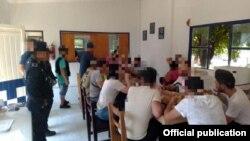Los cubanos tras ser capturados. Foto Secretaría de Seguridad Pública del Estado de Veracruz