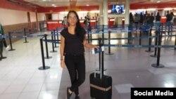 Luz Escobar en el Aeropuerto Internacional José Martí de La Habana. Tomado de @Luz_Cuba