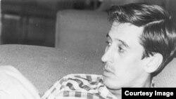 El poeta Roque Dalton fue asesinado el 10 de mayo de 1975 en El Salvador por el Ejército Revolucionario del Pueblo (ERP).
