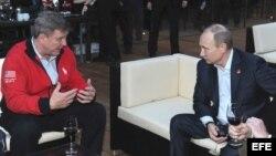 Vladimir Putin visita a los atletas estadounidense en el Parque Olímpico de Sochi