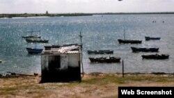 Continúan incomunicados cubanos que intentaron escapar en ferrocemento