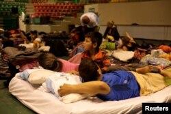 Cubanos esperan su cita para recibir asilo en un albergue de Ciudad Juárez, México.