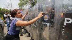 Enfrentamientos y violencia en la frontera entre Venezuela y Colombia este fin de semana y la celebración en Cuba del referéndum sobre la nueva constitución