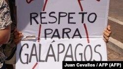 Habitantes de Galápagos protestan contra China en agosto del 2017 (Juan Cevallos / AFP).