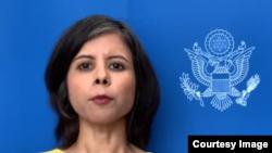 Namita Biggins, vocera en español del Departamento de Estado.