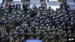 Fuerzas militares se enfrentan a manifestantes en Bielorrusia el 15 de noviembre de 2020